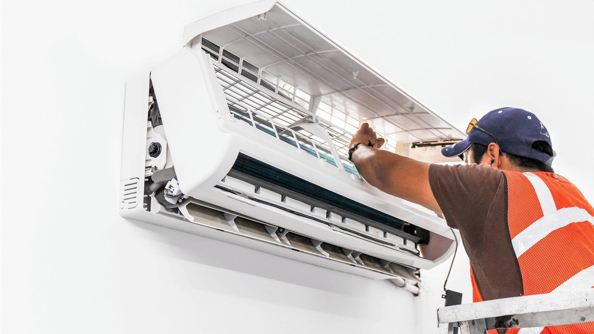 How To Service An Air Conditioner Air Conditioning Installation London Maintenance
